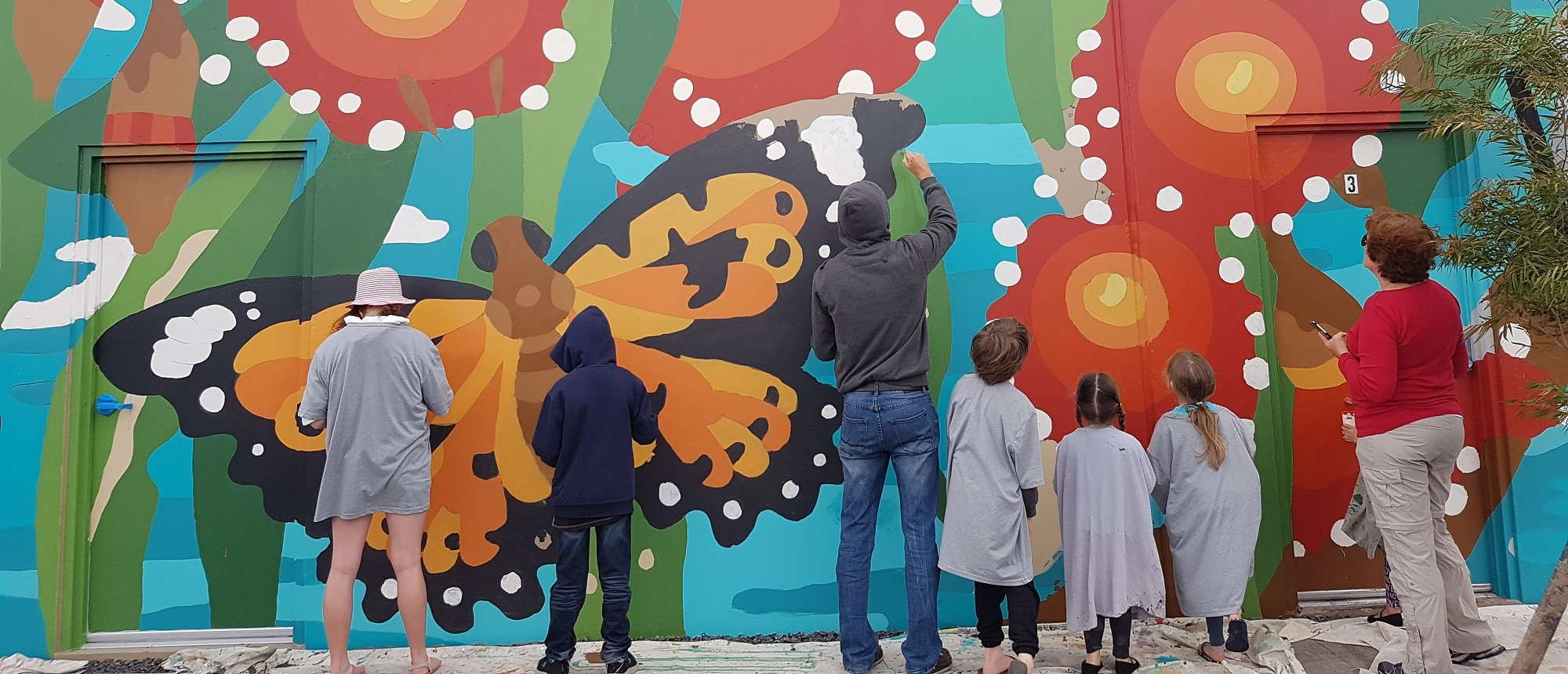 vasse-public-art-mcvee-mural-vasse-village-2000x860