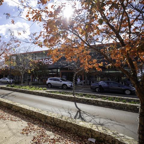 vasse-village-coles-autumn-trees-shops